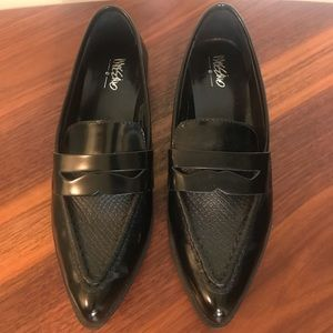 Mossimo pointy toe loafer. 7.5